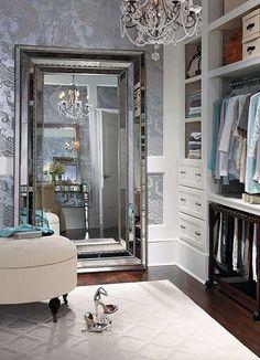 Lustro w garderobie
