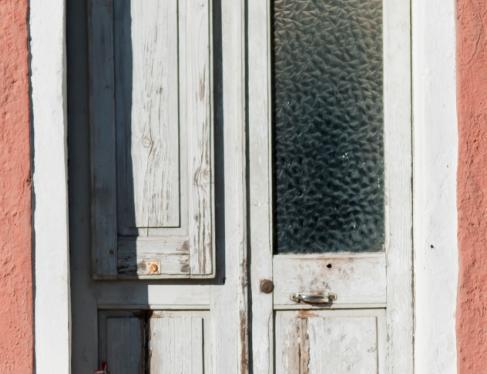 jak-pomalowac-drzwi