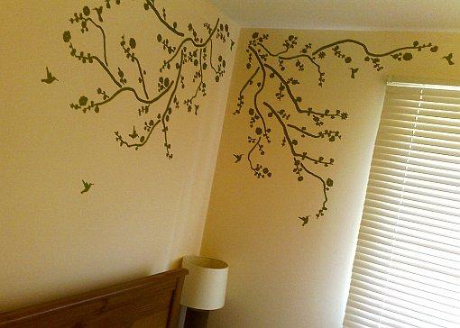 naklejki na ścianę w sypialni